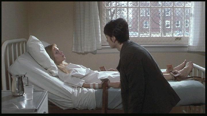 секс в больнице привязана к кровати